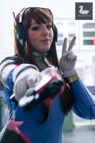 D.va, Overwatch cosplay by Colourful Corps.