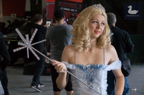 Glinda cosplay by Kilometres Cosplay. Wellington Armageddon Expo 2018. Photo by Silver Duck.