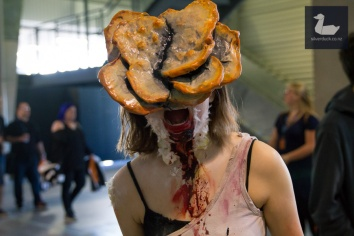 Clicker (The Last of Us) cosplay by Chloe Leong. Wellington Armageddon Expo 2018. Photo by Silver Duck.