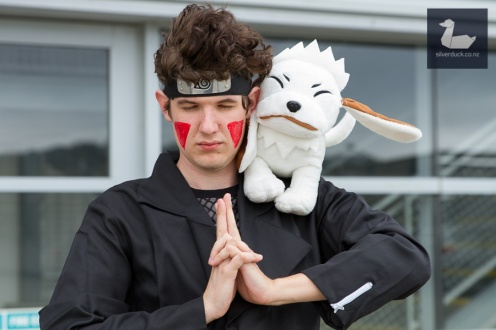 Kiba Inuzuka & Akamaru, Team 8 cosplay by Ash Trubshoe. Wellington Armageddon Expo 2018. Photo by Silver Duck.