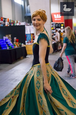 Anna cosplay by SasItUp Cosplay. Wellington Armageddon Expo 2018. Photo by Silver Duck.