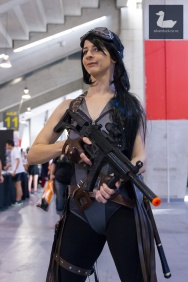 Blondie (Sucker Punch) cosplay by SasItUp Cosplay. Wellington Armageddon Expo 2018. Photo by Silver Duck.